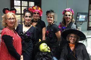 De gauche à droite: Danielle Boucher adjointe administrative, Docteure Chantal Gauthier orthodontiste, Marie-France Barbeau, Nathalie Rouleau, Karine Boisvert hygiénistes, Marie-Claude Boudreau adjointe administrative